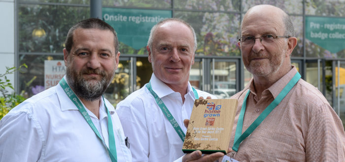 David Finn & Mark Curtis (Tates) receive their award from Simon Davenport (BPOA)